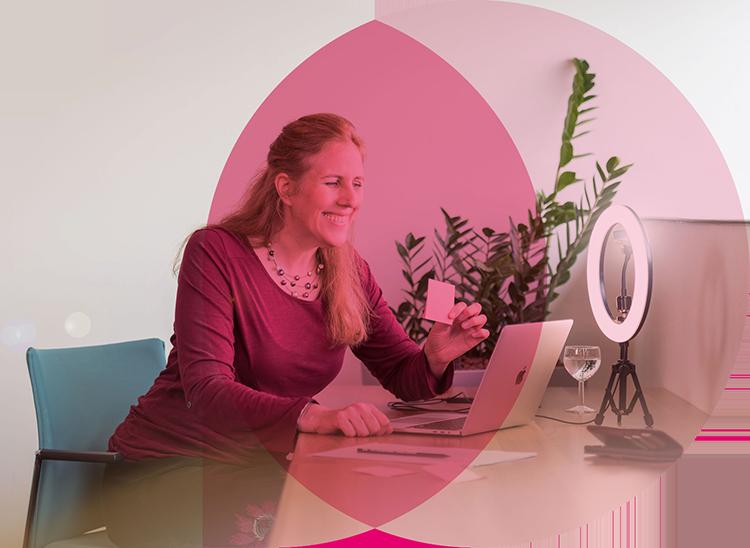 Online Feiern mit Improverin Sarah Hübner